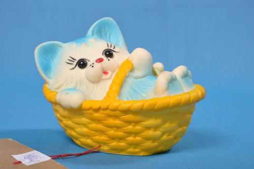 игрушка из ПВХ Котенок в корзинке